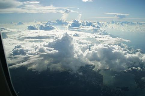 10本島は雲がち.jpg