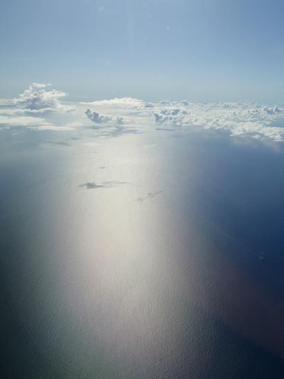 15お約束の沖縄上空1.jpg