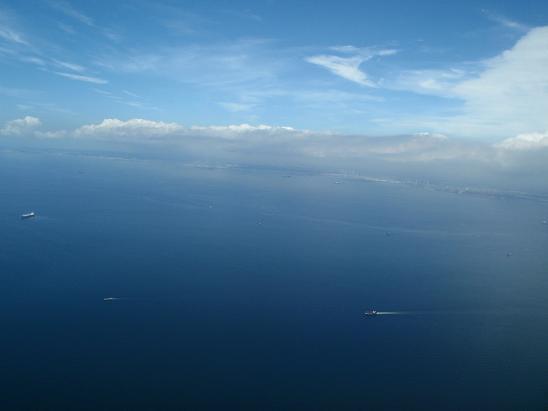 17横浜方面は曇り.jpg