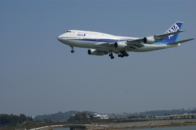 たぶん東京発のANA127便.jpg