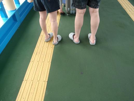 乗船時に前に並んでたカップルです