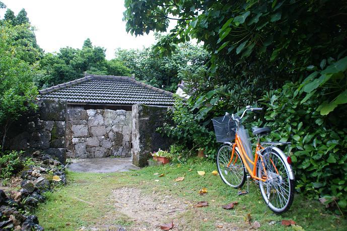 ここは、島内の見所のひとつ、大里家(うぷらとぅ)、だったとオモイマス。相変わらずてーげーでスミマセン<m(_ _)m>