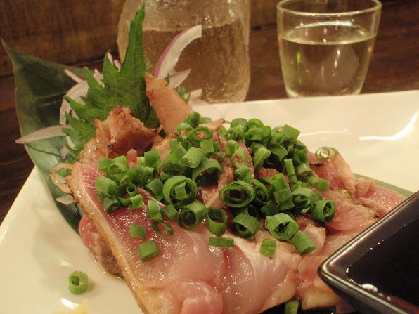 さつま地鶏の炙り刺し600円.JPG